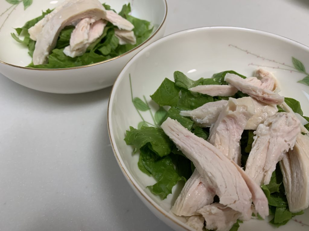間引いたレタスのヘルシー鶏サラダ