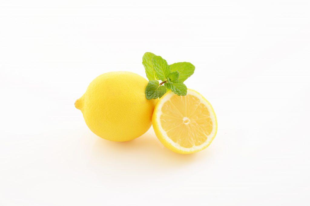レモンを輪切りにした様子