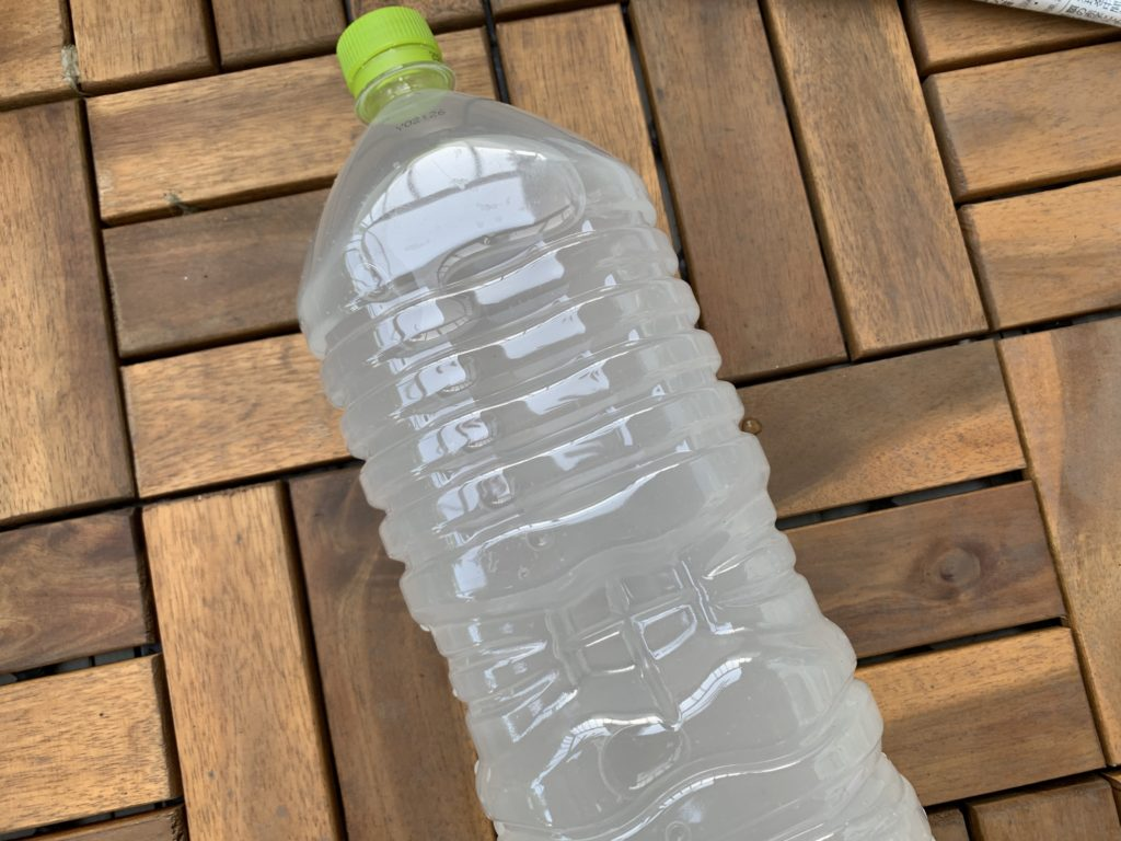 微粉ハイポネックスを入れたペットボトル