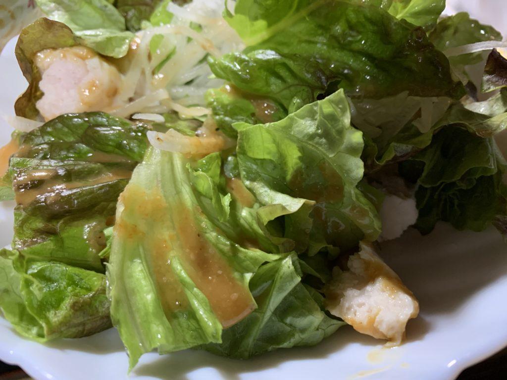 サニーレタスと大根、サラダチキンのサラダ