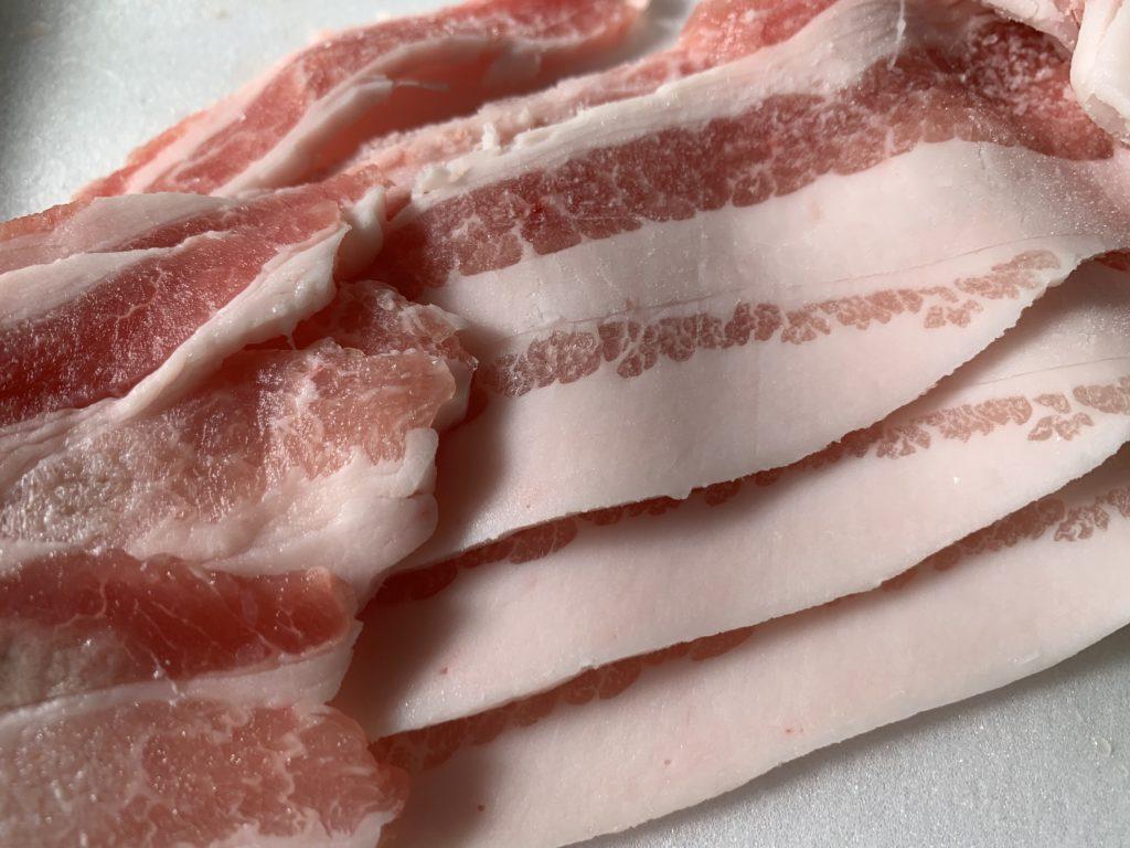 新鮮な豚バラ肉